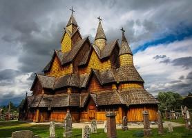 Stavkirke de Heddal: une église toute en bois