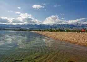 Lac Yssyk Koul : le lac suspendu à 1 606 m d'altitude