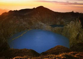 Mont Kelimutu : la montagne aux couleurs de l'arc-en-ciel