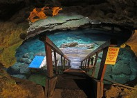 Devil's Den cave