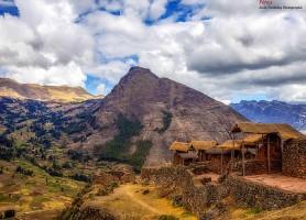 Ruines Inca de Pisac : une splendeur dans les montagnes