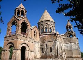 Eglises et cathédrale de Etchmiadzin: les plus vieilles d'Arménie