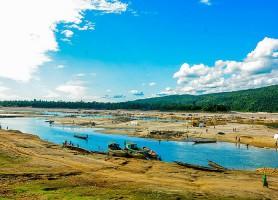 Jaflong: isolée du grand tumulte urbain