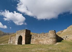 Tach Rabat: un bijou de l'architecture kirghize