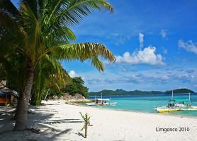 Île Malcapuya: une mer aux mille nuances de vert et de bleu!