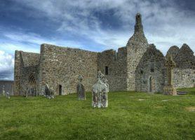 Monastère de Clonmacnoise: des vestiges extraordinaires