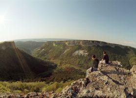 Mangoup: découvrez cette cité troglodyte